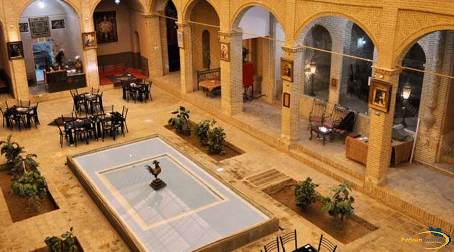 morshed-garden-traditional-hotel-yazd-yard-2