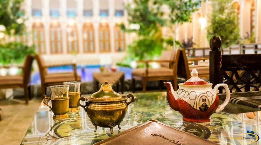 mozafar-traditional-hotel-yazd-cafe-1