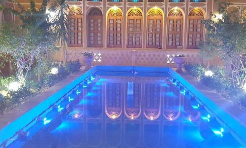 mozafar-traditional-hotel-yazd-yard-1