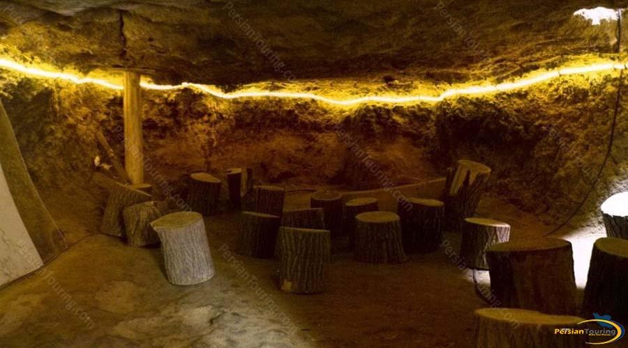 niyasar-cave-1
