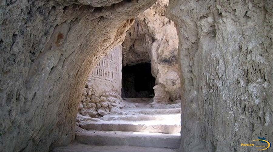 niyasar-cave-4