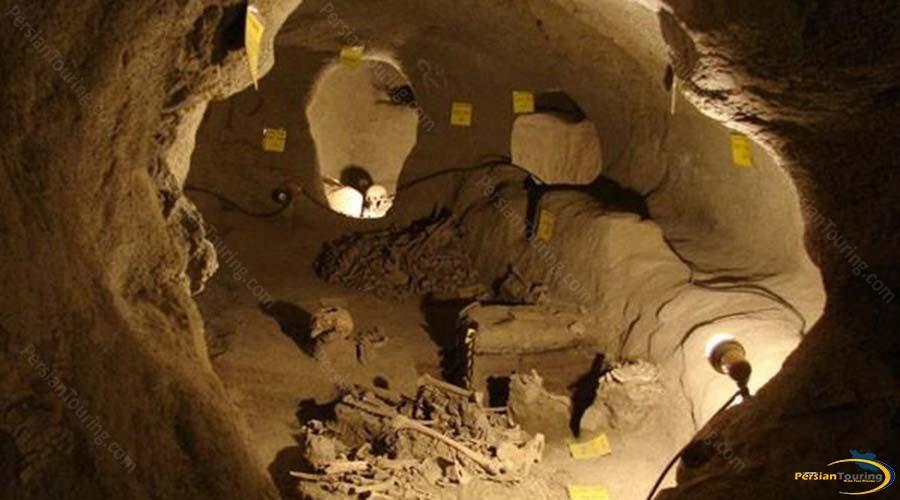 niyasar-cave-5