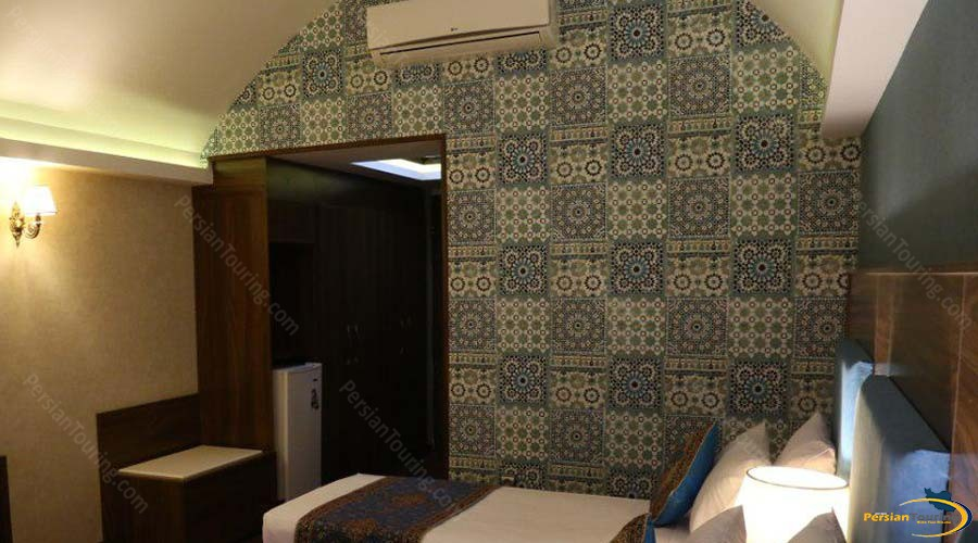parsian-azadi-hotel-yazd-single-room-1