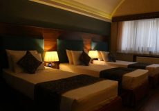 parsian-azadi-hotel-yazd-triple-room-3