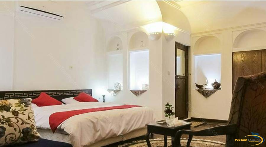royay-ghadim-traditional-hotel-yazd-double-room-2