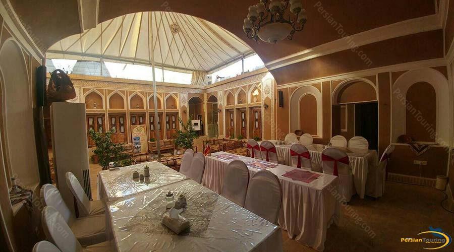 royay-ghadim-traditional-hotel-yazd-restaurant-1