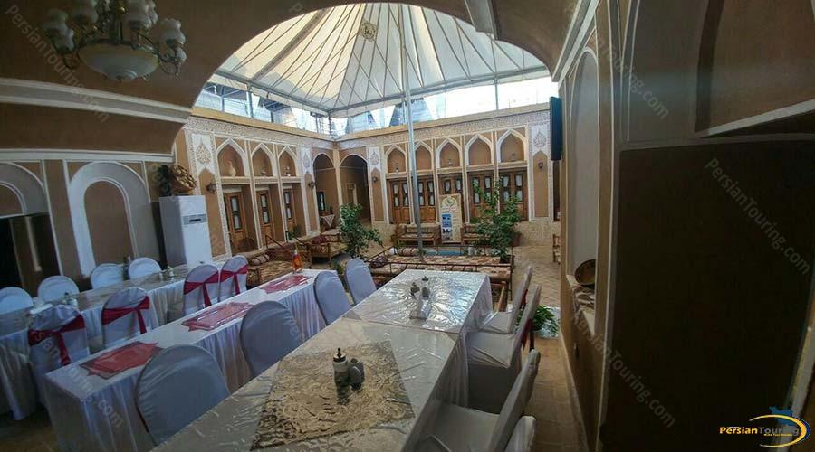 royay-ghadim-traditional-hotel-yazd-restaurant-2
