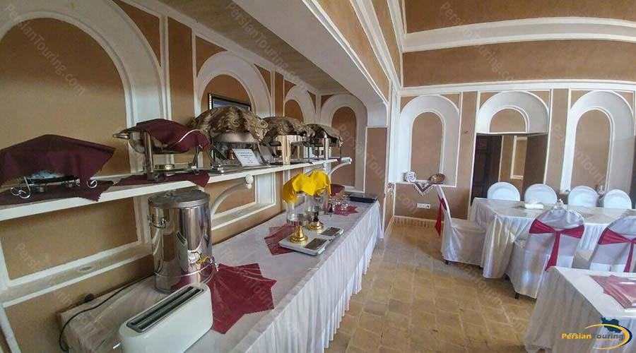 royay-ghadim-traditional-hotel-yazd-restaurant-3