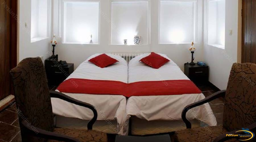 royay-ghadim-traditional-hotel-yazd-twin-room-2