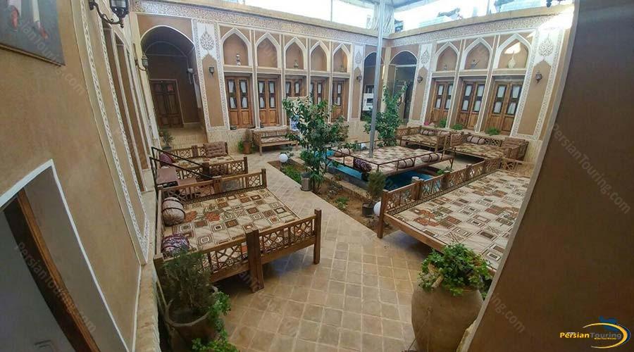 royay-ghadim-traditional-hotel-yazd-yard-1