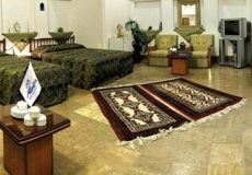 traditional-hotel-yazd-quadruple-room-1
