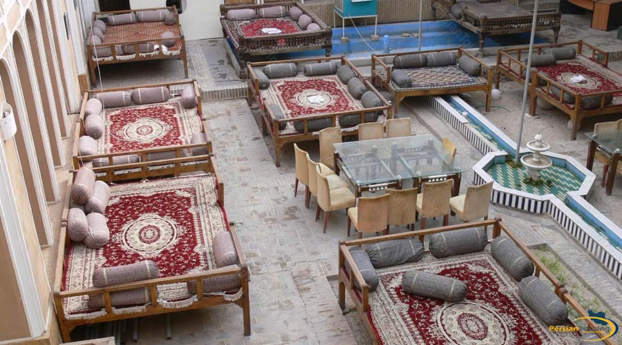 traditional-hotel-yazd-yard-2