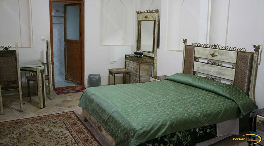 traditional-kohan-hotel-yazd-double-room-1