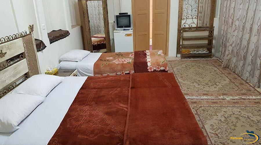 traditional-kohan-hotel-yazd-triple-room-2