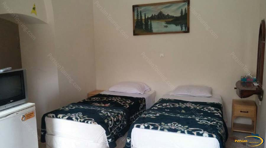 traditional-kohan-hotel-yazd-twin-room-2