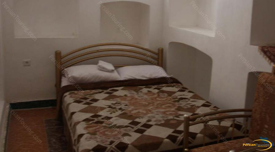 traditional-kourosh-hotel-yazd-double-room-1