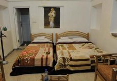 traditional-kourosh-hotel-yazd-triple-room-1