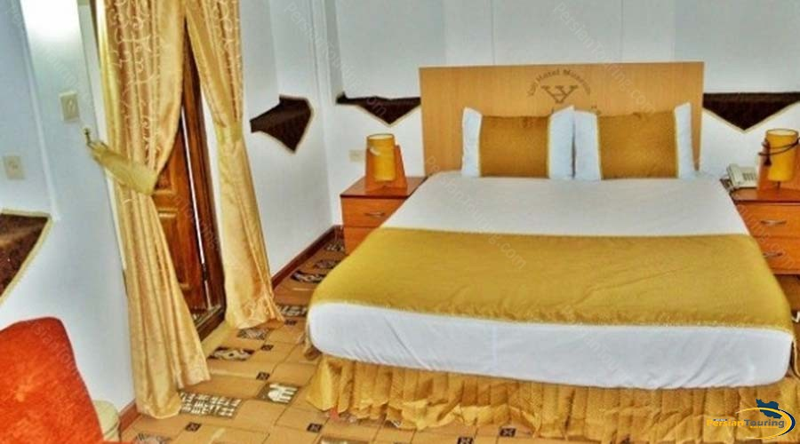 vali-traditional-hotel-yazd-double-room-1