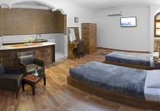 fazeli-hotel-yazd-vip-five-beds-room-1