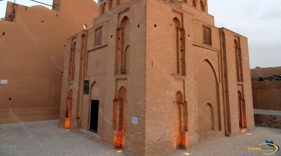 davazdah-imam-mausoleum-1