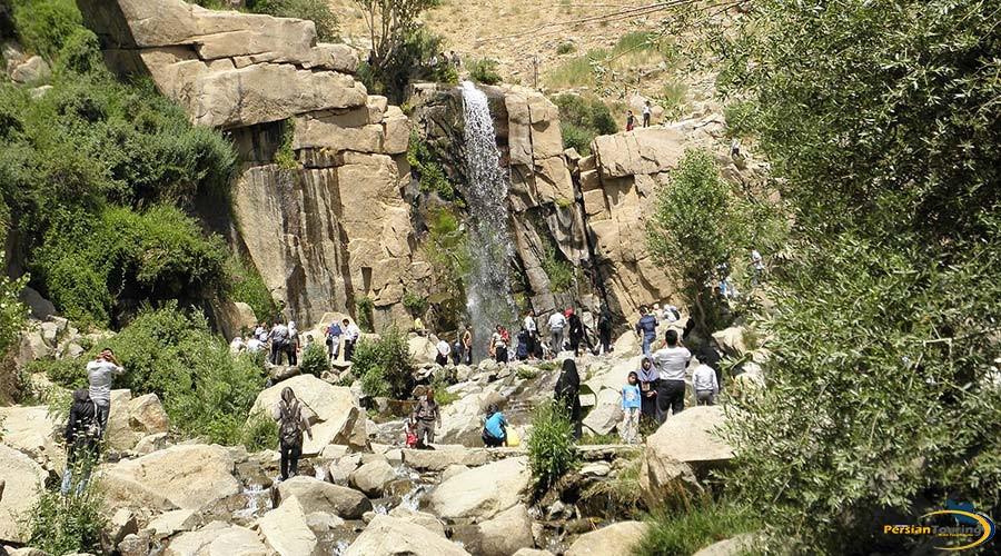 ganj-nameh-waterfall-1