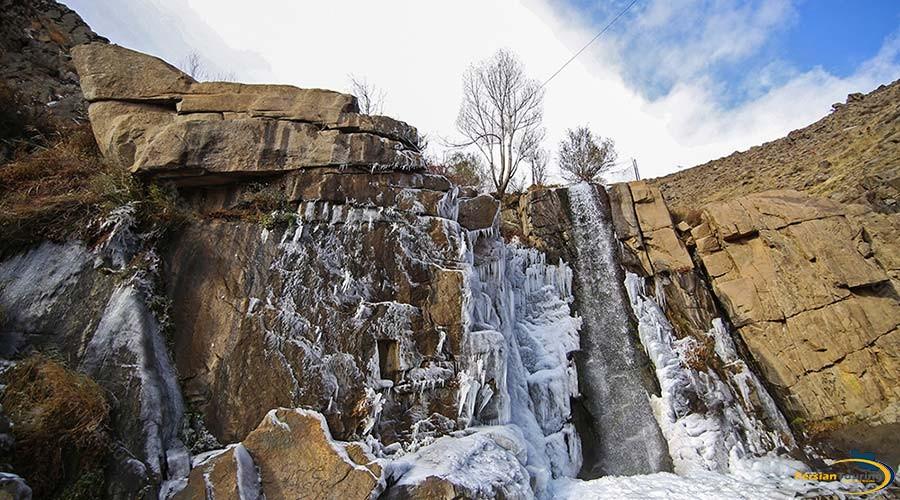 ganj-nameh-waterfall-2
