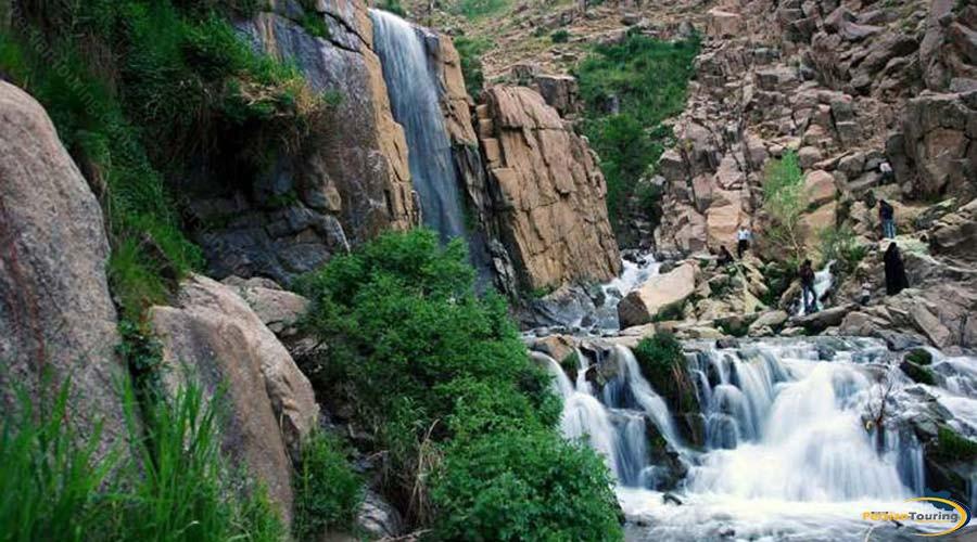 ganj-nameh-waterfall-3