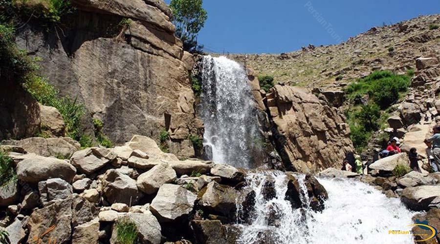 ganj-nameh-waterfall-4
